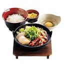 すき焼き鍋定食(うどん麺入り)