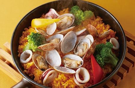 魚介のパエリアセット(彩りサラダ付)
